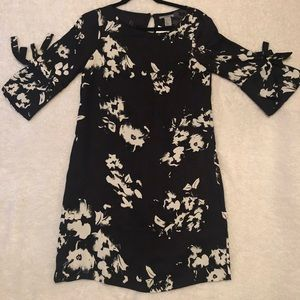 NWT FLORAL PATTERN NAVY COCKTAIL DRESS